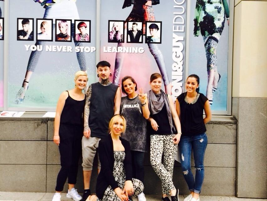 DIPLOMA AWARD der TONI&GUY EDUCATION